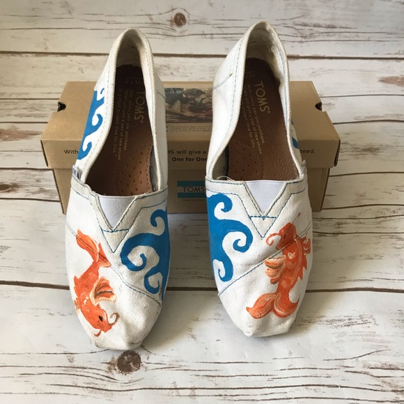 Toms Shoes - TOMS one of a kind koi fish